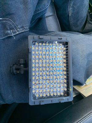 G photo light bar w mount for Sale in Leavenworth, WA