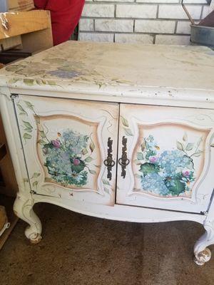 Custom end table for Sale in Elk Ridge, UT