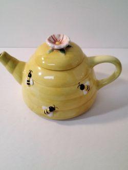 A Very Cute Tea Pot Its . for Sale in Loganville,  GA