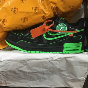 Off White Rubber Dunks / 11.5 DS! for Sale in New Haven, CT
