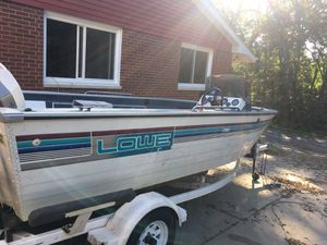 93 Lowe 1720 Foshing boat for Sale in Washington, IL