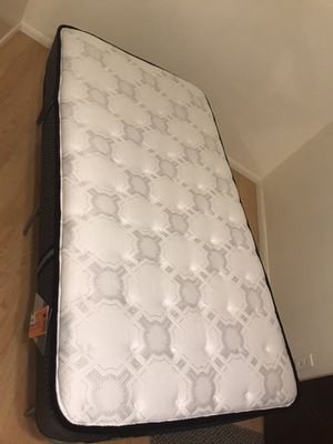 TWIN MATTRESS & FRAME for Sale in Claremont, CA