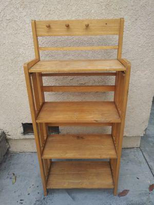 mueble de madera excelentes condiciones for Sale in Lynwood, CA