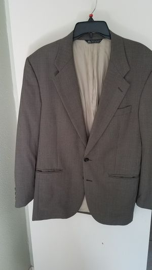 Burberry's %100 WOOL COAT for Sale in Houston, TX