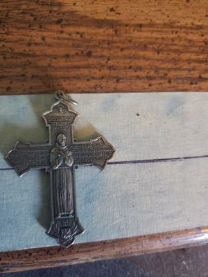 Vintage St Francis and St Anthony cross pendant for Sale in Carterville, MO