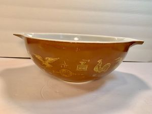 PYREX Vintage Brown Early-American Mixing Nesting Cinderella Bowl (444/4Q) for Sale in Dade City, FL