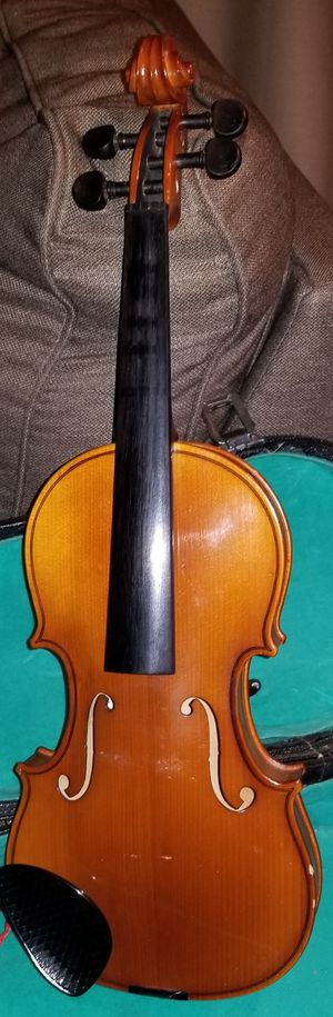 Violin with Case missing pieces, used for decor in music room for Sale in Denver, CO