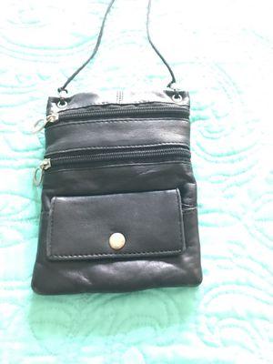 Travel purse under garment bag for Sale in Oakland Park, FL