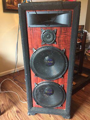 "2 15"" prostudio House speakers 1 box for Sale in Cincinnati, OH"