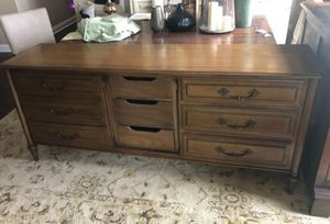 Antique dresser for Sale in Paramount, CA