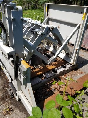 Hydraulic forklift pull push for Sale in Seattle, WA