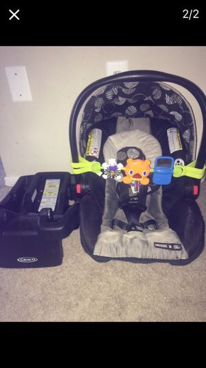 Car seat like new 3941 for Sale in Riverdale, MD