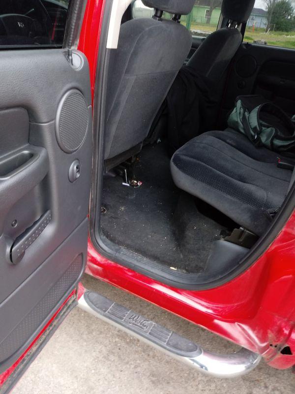 Dodge ram 1500.