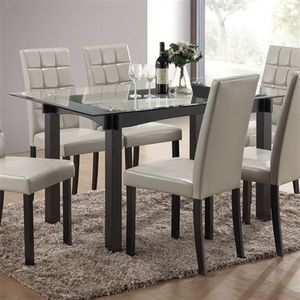 GlaSs ToP reCtaNGuLaR DiNiNg TabLe for Sale in Fresno, CA