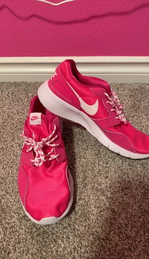 Nike Women's Shoe 6.5 for Sale in Puyallup, WA