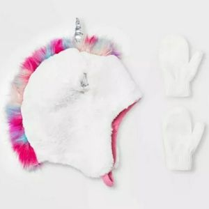 Girls 3D Unicorn Winter Hat warm and cozy for 2 to 6 years for Sale in Imperial, CA