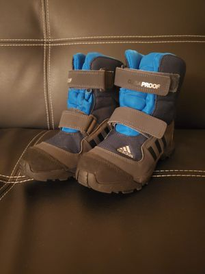 Kids Adidas snow boots size 1 for Sale in Downey, CA