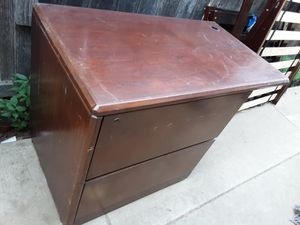 Desk $20 for Sale in Modesto, CA