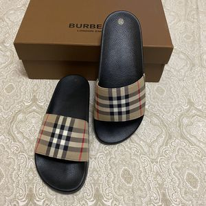 Burberry Slides Women Size 8 for Sale in Brooklyn, NY