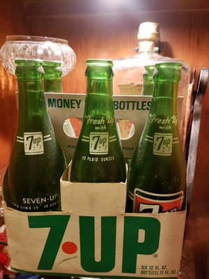 Vintage 7up 6 pack for Sale in Peoria, AZ
