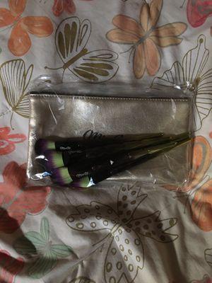 Makeup bag and a set of brush for Sale in La Mirada, CA
