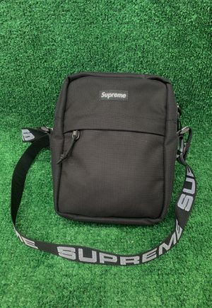 SS18 Black Supreme Shoulder Bag for Sale in Riverside, CA