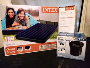BRAND NEW AIR MATTRESS WITH PUMP for Sale in Dallas, TX
