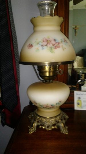 Vintage Hurricane lamp for Sale in New Windsor, MD