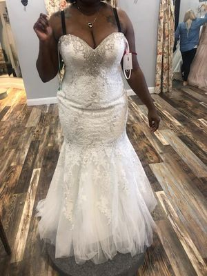 Wedding dress for Sale in St. Louis, MO