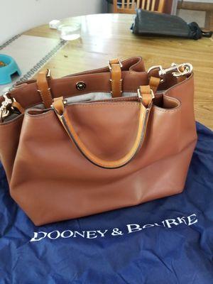 Dooney Bourke Lrg Tote for Sale in San Jose, CA