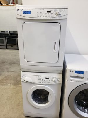 """24"""" MAYTAG SMALL WASHER AND ELECTRIC DRYER for Sale in Modesto, CA"""