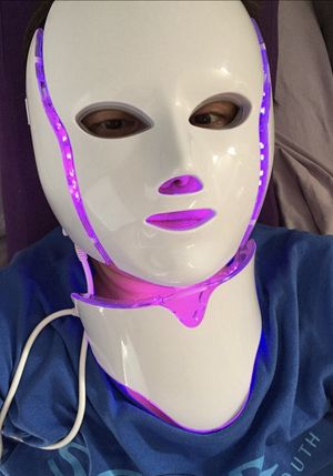Led light therapy mask. for Sale in Los Angeles, CA