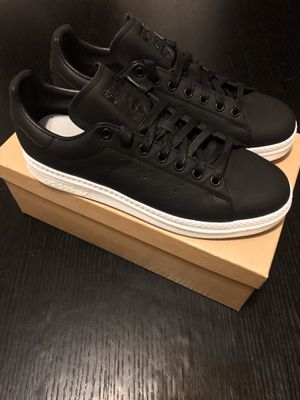 Adidas Stan Smith Leather Shoes - LIMITED EDITION, womens size 10 for Sale in Hackensack, NJ