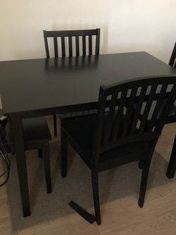 Dinner Table with 4 Chairs for Sale in Chicago,  IL