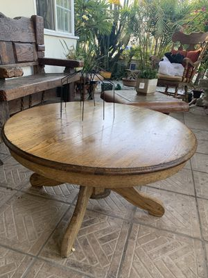 Solid wood coffee table for Sale in Long Beach, CA