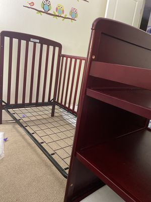 4 in 1 full size crib with Changing table for Sale in North Attleborough, MA