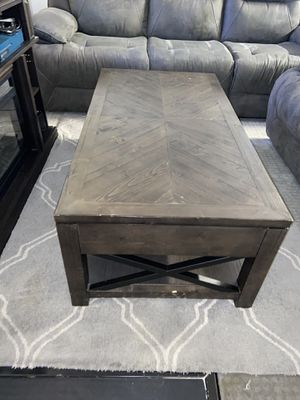Rustic coffee table for Sale in Henderson, NV