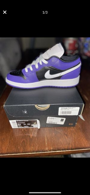 Air Jordan 1 Court Purple Black sz 3.5Y/5.5Y (GS) for Sale in Riverside, CA