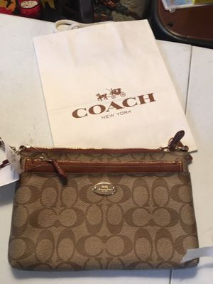 New coach pop pouch purse for Sale in Santa Ana, CA