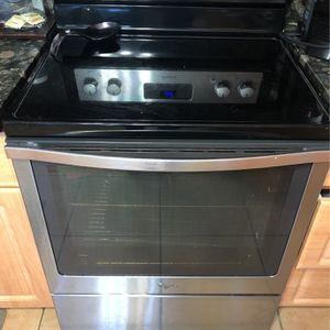 Whirlpool Stainless Steel Glass Countertop Stove for Sale in Miami, FL