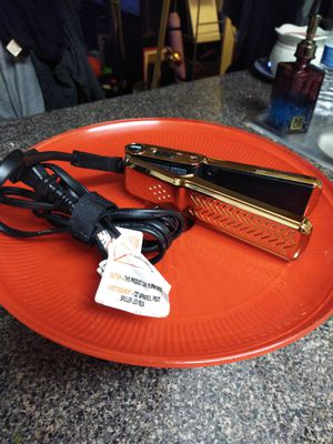 Travel GVP pro straightener new no tags@67th Ave and Thomas for Sale in Phoenix, AZ