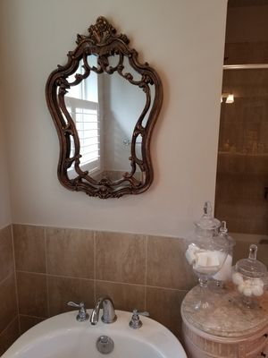 Old World French Ornate Wall Mirror for Sale in Carnation, WA