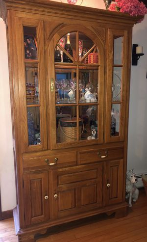 Lighted Oak Hutch for Sale in Haddam, CT