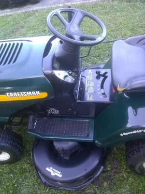 Craftsman Rider Lawn Mower LT1000 17 Horsepower Motor for Sale in Orlando, FL