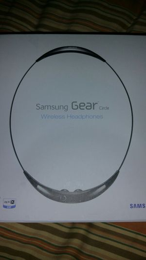 Brand New Samsung Gear Bluetooth Headphones for Sale in Saint Louis, MO