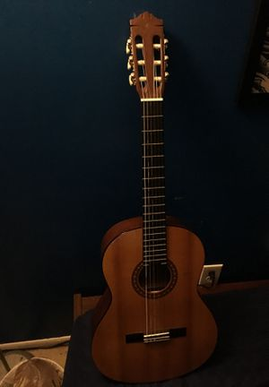 Yamaha acoustic guitar for Sale in Columbia, MD