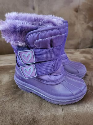 Toddler snow boots size 5-6 for Sale in Sacramento, CA