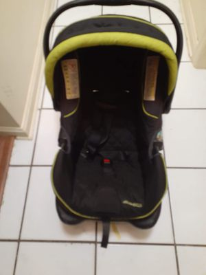 Eddie Bauer Car Seat with base for Sale in Bradenton, FL