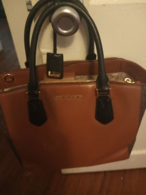 Michael kors purse Coach purses two of them a Gucci bag juicy couture bag for Sale in San Antonio, TX