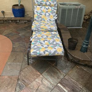 Pool Chairs for Sale in Los Angeles, CA